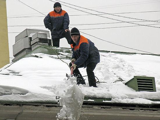 Челябинск продолжают чистить от снега - Челябинск: статьи - .