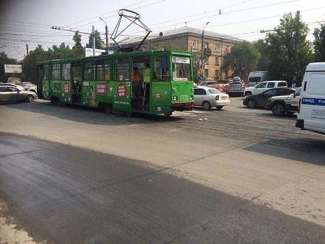 Пенсионерка угодила  под трамвай назебре вЧелябинске