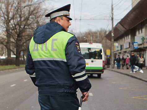 Уральский пенсионер ударил охотничьим ножом инспектора ДПС