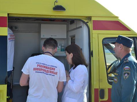 2-х новорожденных тяжелобольных девушек спецборт МЧС эвакуировал изЧелябинска вСанкт-Петербург