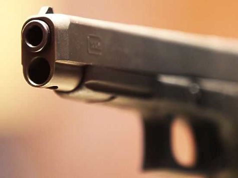 ВЧелябинской области 66-летний сельчанин, ранивший женщину, открыл стрельбу пополицейским