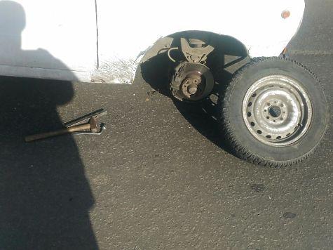 Отвалившееся отВАЗа колесо ударило 11-летнего ребенка вЧелябинске
