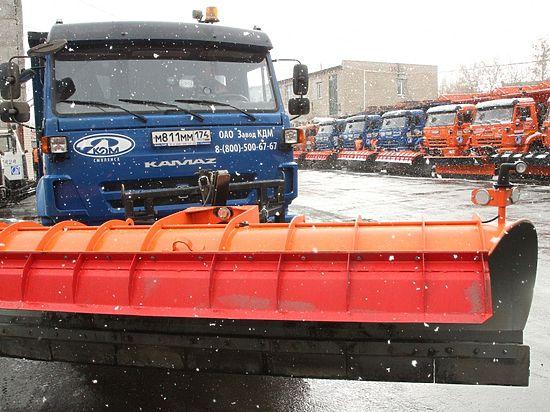 ВЧелябинске начали вывозить снег сдорог