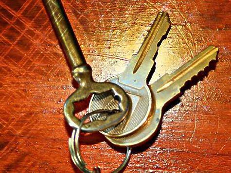 НаЮжном Урале многодетной семье, оставшейся без жилья, купят новый дом