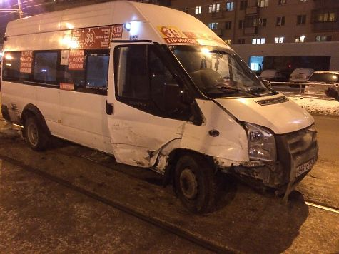 Школьница пострадала встолкновении 2-х маршруток вцентре Челябинска