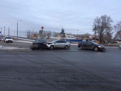 Двое взрослых иребенок пострадали вДТП вЧелябинске