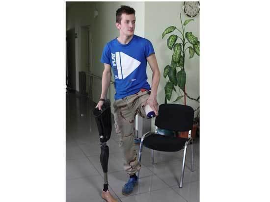 Челябинец, оставшийся без ноги, занимается спортом и снимается в социальных роликах