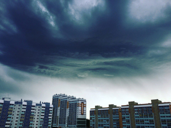 «Лужа крови рядом с рухнувшими конструкциями»: последствия урагана в Челябинске