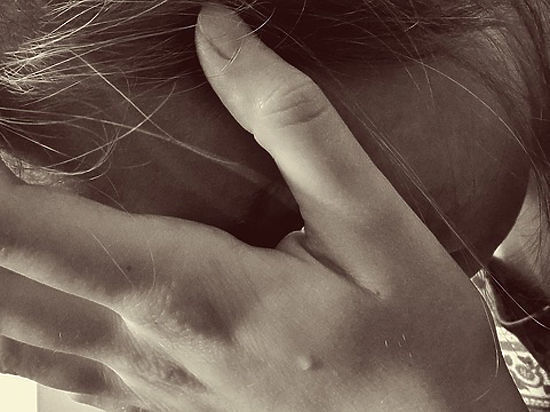 «Думали, что несчастная любовь»: школьницу едва спасли от суицида