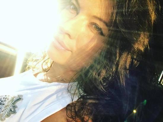 Была красивой женщиной, блестящим адвокатом: у хоккеиста «Трактора» произошла трагедия