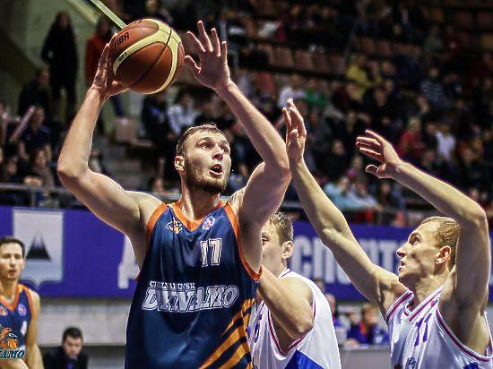 Челябинское «Динамо» одержало убедительную победу над тагильскими баскетболистами