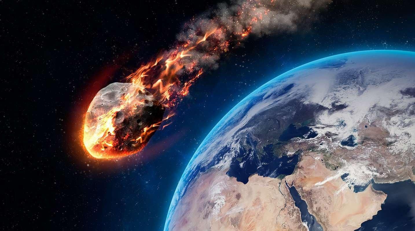 Астероид вдвое крупнее челябинского метеорита пролетит в 10 раз ближе к Земле, чем находится Луна