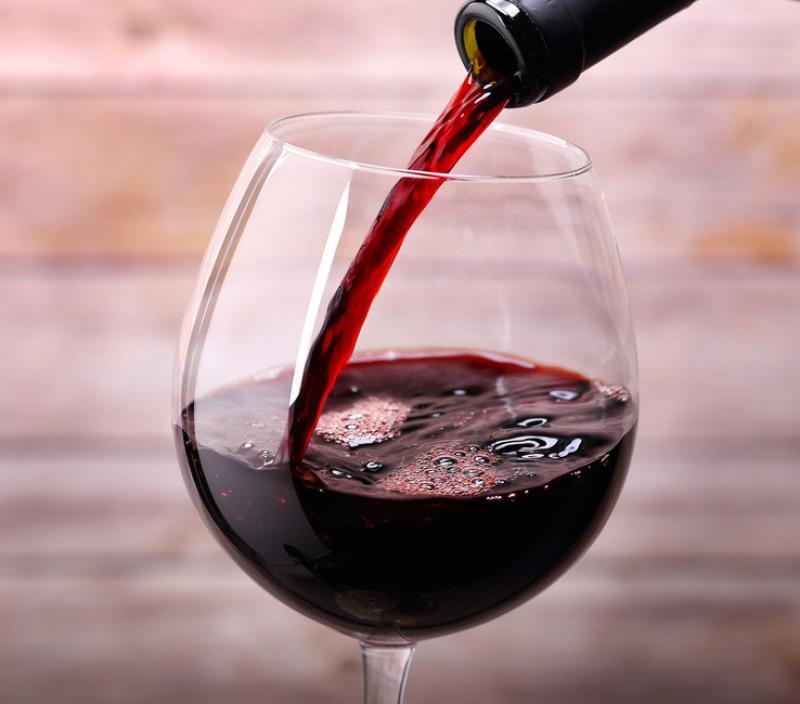 Минимальная цена вина составит приблизительно 180-190 руб. забутылку